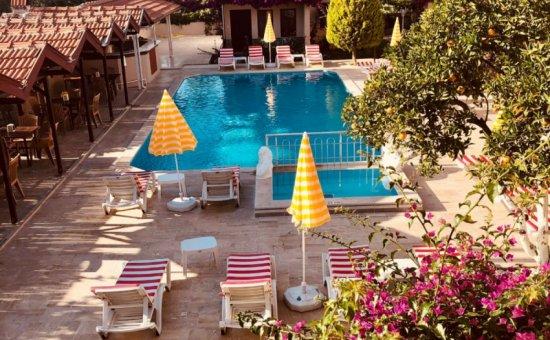 Arda Villas Pool & Gardens
